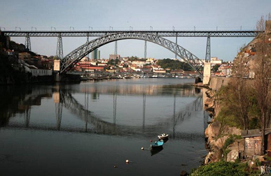 Dom Luis Köprüsü.