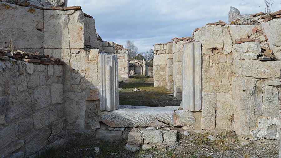 Afyonkarahisar'ın Emirdağ ilçesine bağlı Hisar köyü içerisindeki Amorium Antik Kenti'nde çalışmalar devam ediyor.
