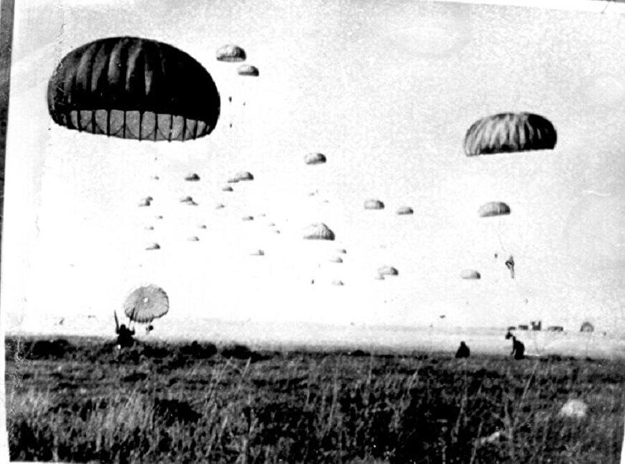 Türk Silahlı Kuvvetleri 20 Temmuz 1974'te Kıbrıs'a harekât başlatmıştı.