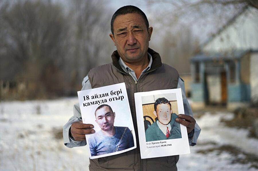 Kardeşleri Sincan'daki toplama kamplarında tutulan ve çok düşük ücretlere çalıştırılan bir Uygur Türkü.