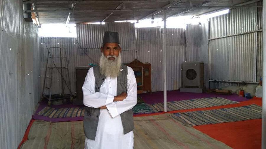 Babri Camisi'nin yıkımına katılan Balbir Singh, olaydan 6 ay sonra Müslüman olarak Muhammed Amir ismini aldı.