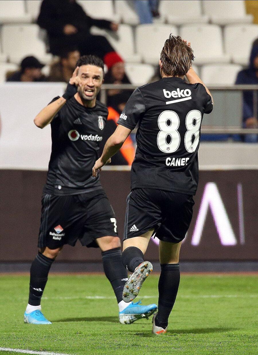 Gökhan Gönül bu sezon 1 gol 2 asist üretti.