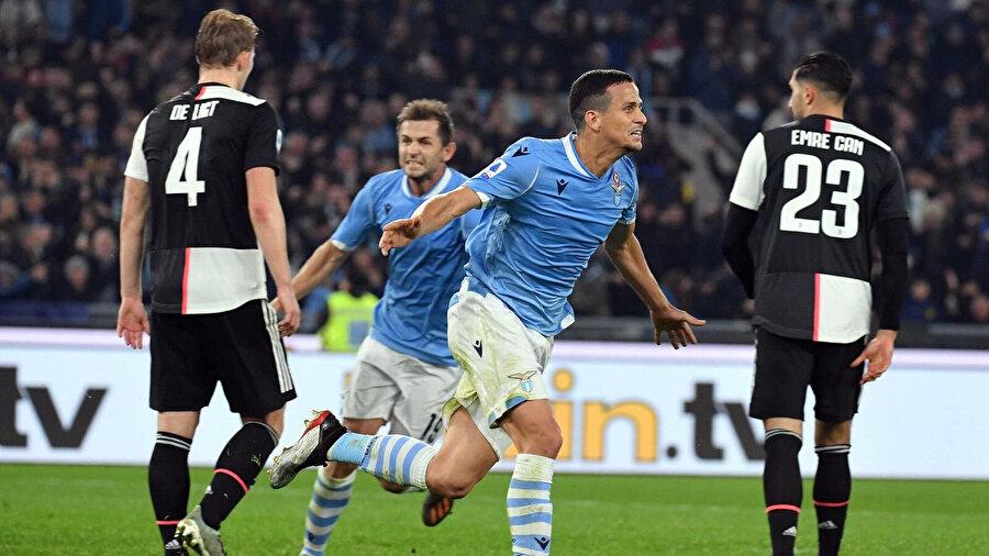 Lazio 33 puanla 3. sırada bulunuyor.