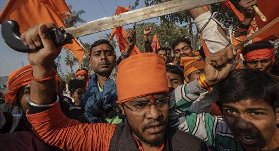 Modi yönetimindeki Hindistan'da Müslümanları hedef alan saldırılar arttı.