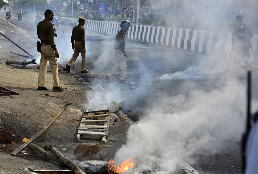 Göstericilere polis müdahale etti.