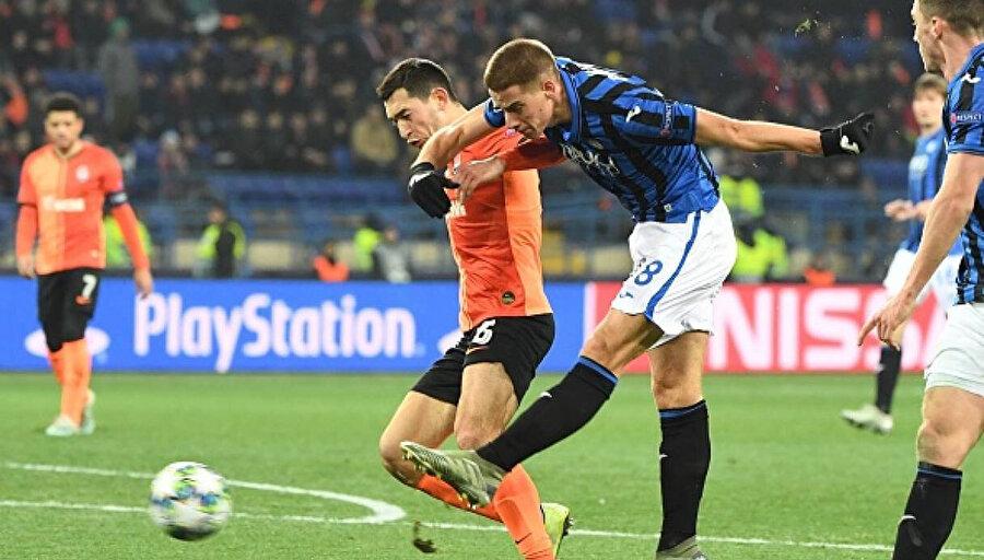 Mario Pasalic bu sezon Şampiyonlar Ligi'nde 2. golünü kaydetti.