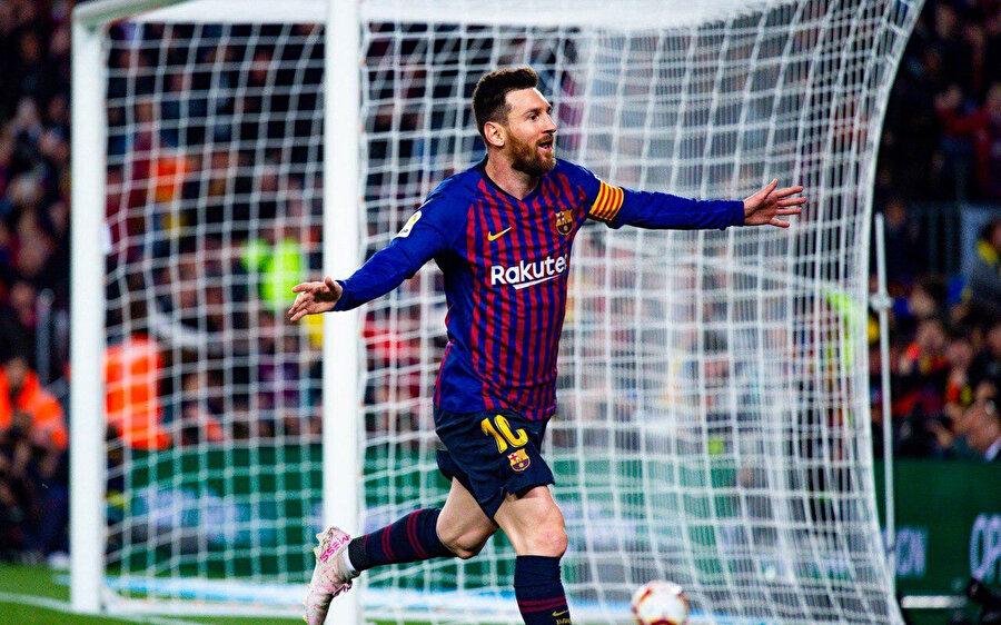 Messi Şampiyonlar Ligi'nde 2 gol 3 asist üretti.
