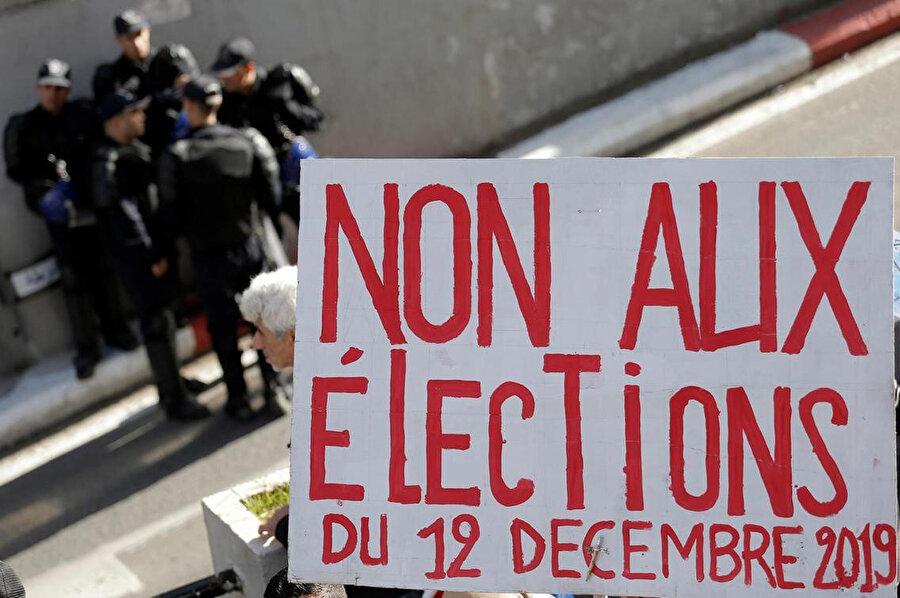 Seçimlerin boykot edilmesi için uzun süredir kampanya yürütülüyordu.