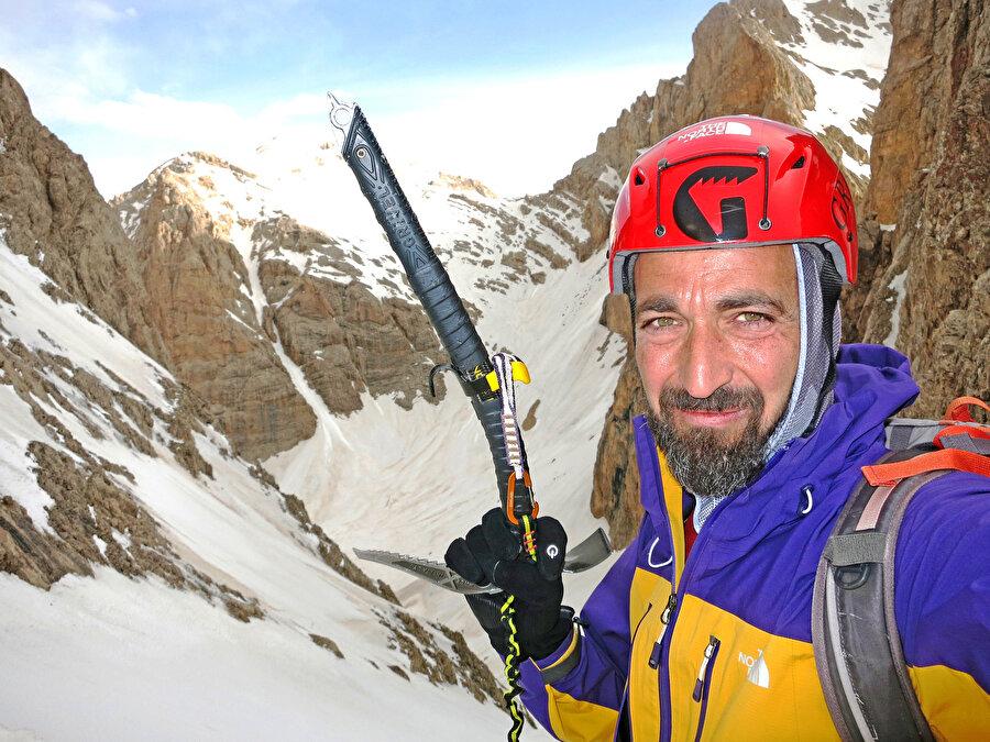 Tunç Fındık'ın Aladağlar'da gerçekleştirdiği tırmanışından bir kare...