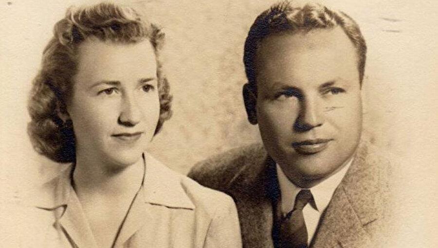 Çiftin gençlik fotoğrafı