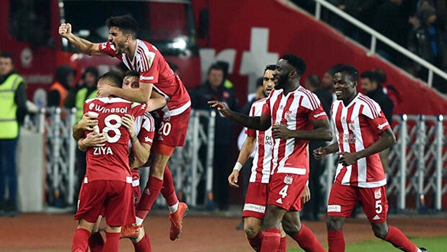 Sivasspor 15 karşılaşmada 33 puan topladı.