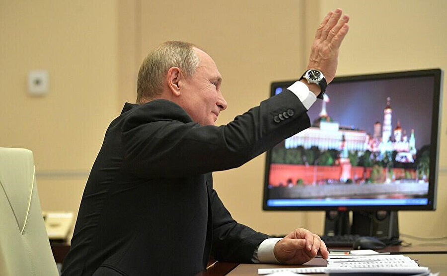 Putin'in bilgisayarındaki işletim sistemi Windows XP'nin güncellemesi Nisan 2014'te durdurulmuştu