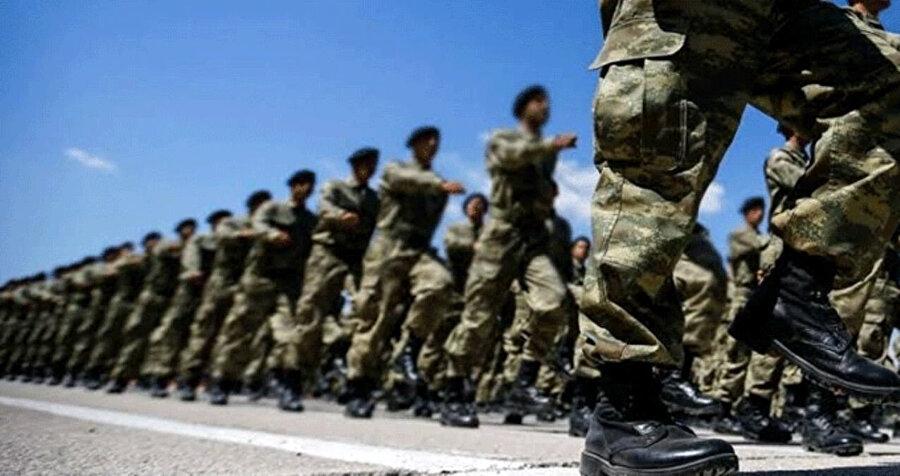 Türk askerleri- Arşiv