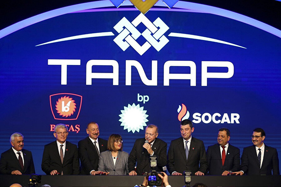 TANAP Avrupa bağlantısı, 30 Kasım'da, Cumhurbaşkanı Erdoğan ile Azerbaycan Cumhurbaşkanı İlham Aliyev'in katılımıyla törenle açıldı