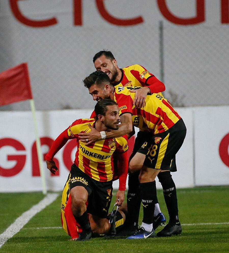 Halil Akbunar bu sezon 2 gol 1 asist üretti.
