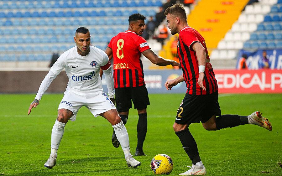 Ricardo Ouerasma, bu sezon 5 karşılaşmada 90 dakika forma giydi.