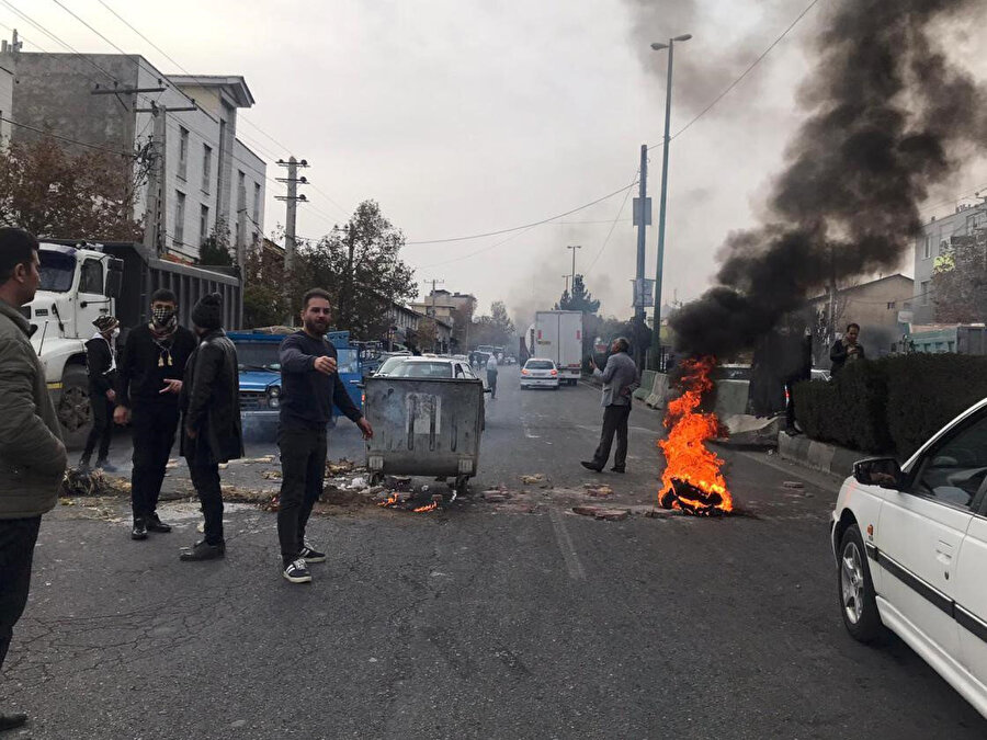 İran'da ise sokaklar uzun zamandır karışık. Fotoğraf / AA