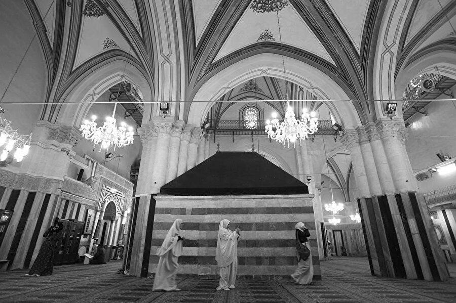 Harem-i İbrahim Camisi'nin içi.