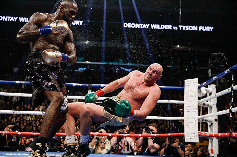 Wilder ve Furry arasında oynanan karşılaşma sayı eşitliğiyle berabere sonuçlanmıştı.