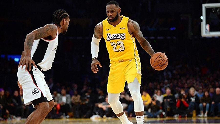LeBron James karşılaşmada 13 sayı,13 asist üretti.