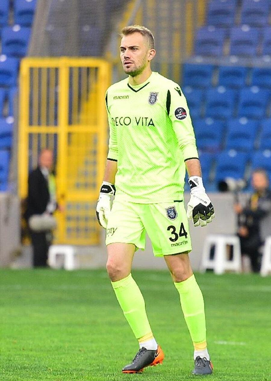 Mert Günok, Visca ile bu sezon en fazla forma giyen futbolcu oldu.
