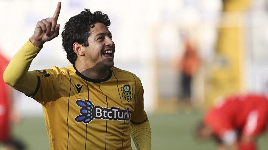 Guilherme bu sezon 23 karşılaşmada görev aldı.