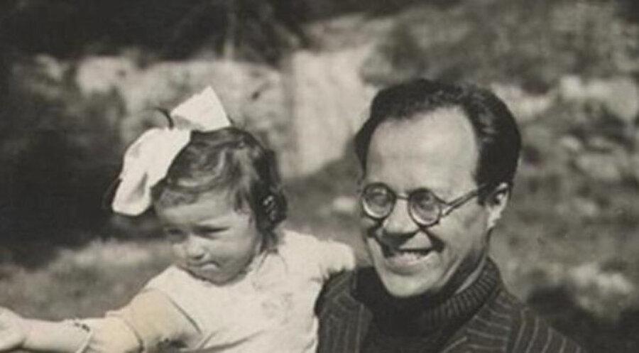Cemil Meriç, 12 Aralık 1916 tarihinde, Reyhanlı, Hatay'da dünyaya geldi. Bir çok eseri hayatımıza kazandıran Meriç, 13 Haziran 1987'de hayatını kaybetti. Cenazesi, Karacaahmet Mezarlığı'na defnedilmiştir.