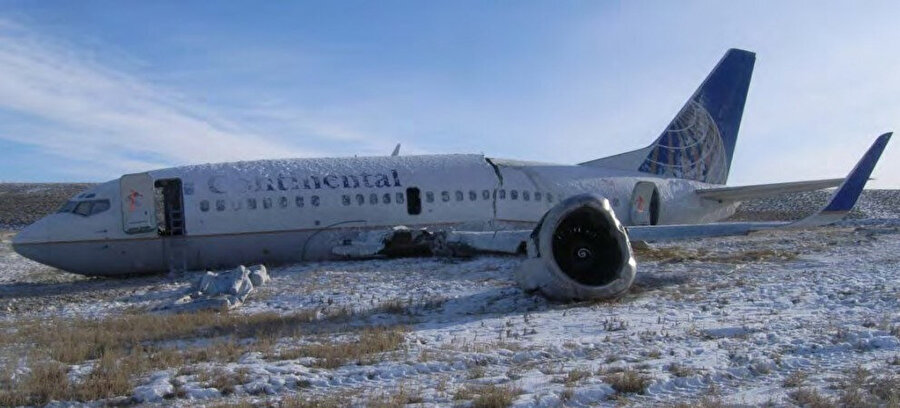 20 Aralık 2008'de Pistten çıkan Continental Havayolları'na ait Boeing 737-500
