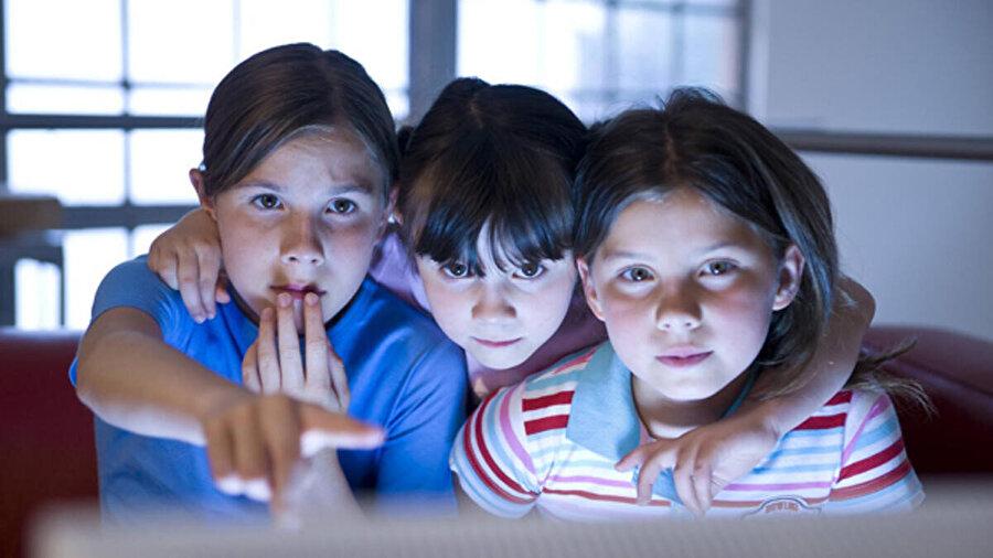 RTÜK, 26 ilde 3 bin 29 ortaokul öğrencisinin katılımıyla televizyon izlemeye yönelik araştırma yaptı.