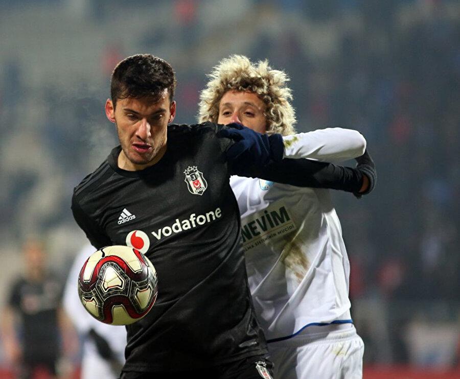 Umut Nayir bu sezon 10. kez ilk 11'de sahaya çıktı.