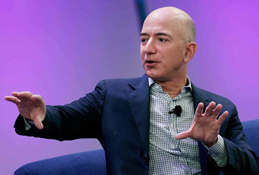 Nakit ödeme ya da banka / kredi kartıyla ödeme yapmak yerine insanların bu yöntemi kullanmasının bir sebebi olmalı. Şimdilik bu sebep hız. Bu sayede markete yerleştirilen otomatlar üzerinden ÇOK HIZLI bir şekilde ödeme yapılabiliyor. Ama Amazon CEO'su Jeff Bezos'un amacı aslında insanlara daha fazla alışveriş yaptırmak istemek de olabilir.