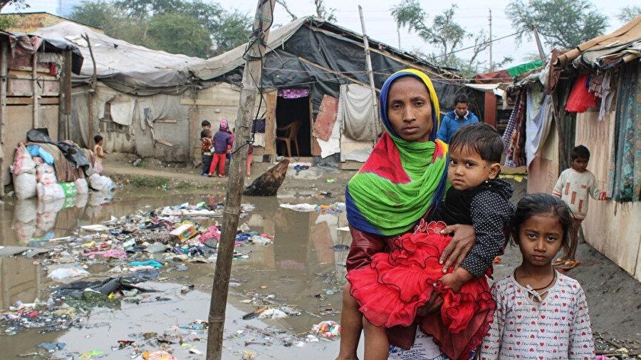 Hindistan ve Pakistan'daki kamplarda yaşam mücadelesi veren Arakanlı Müslümanlar.