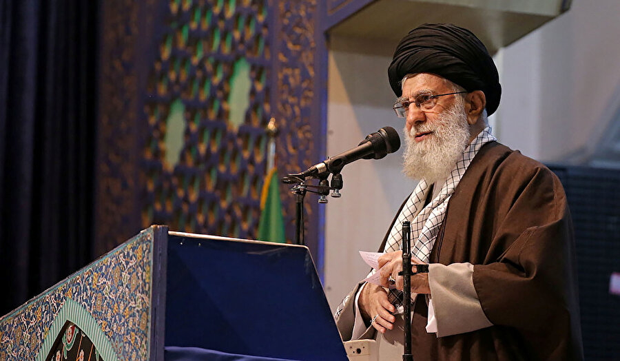 İran dini lideri Ali Hamaney.