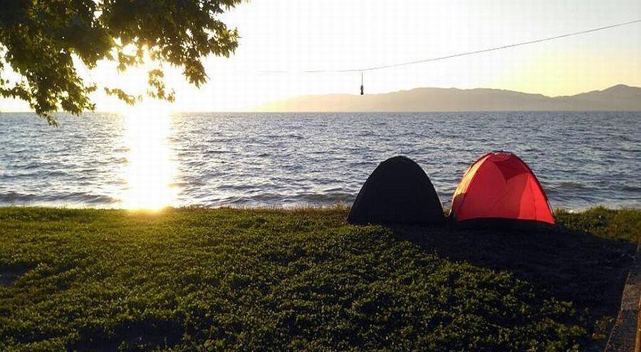 İznik gölünde kamp...