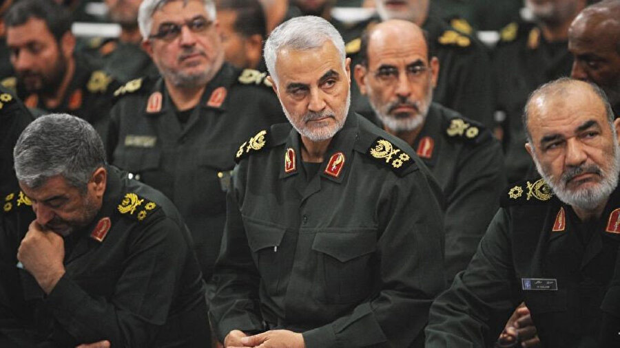 ABD'nin füze saldırısı sonucu ölen İran Devrim Muhafızları Kudüs Gücü Komutanı Kasım Süleymani...