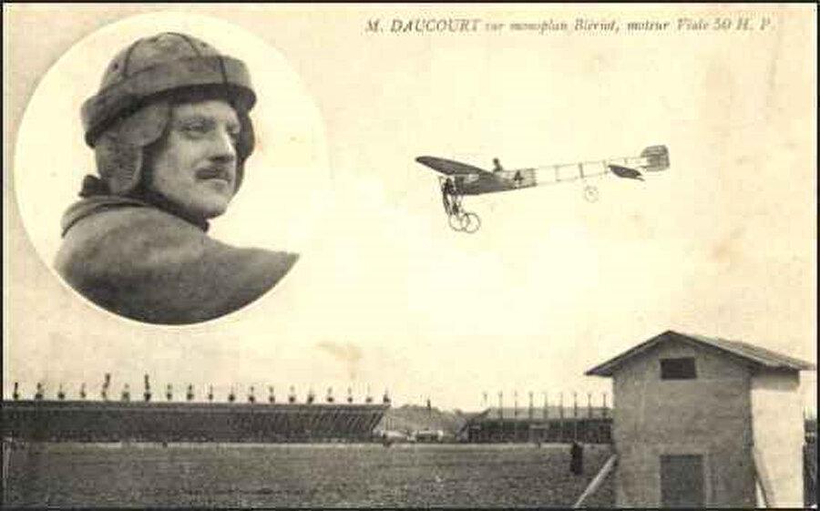 Pilot Pierre Daucort.