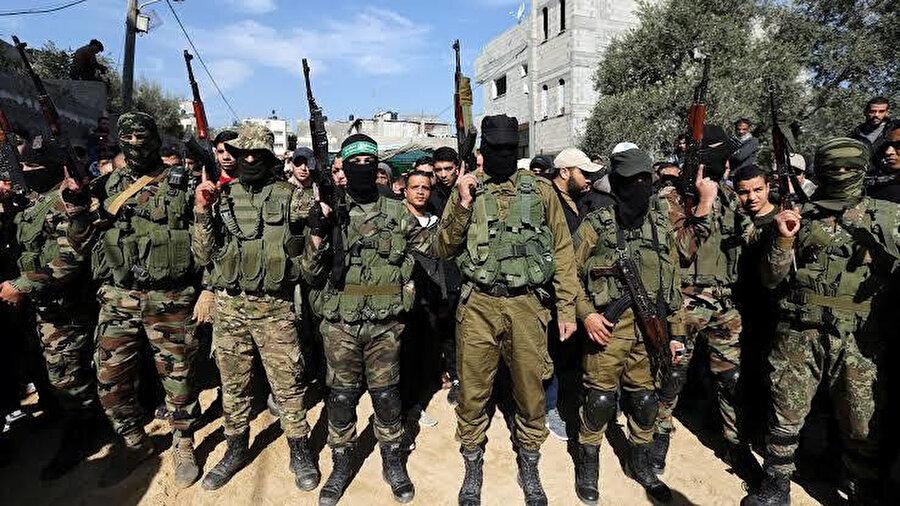 Hamas'a bağlı savaşçılar.