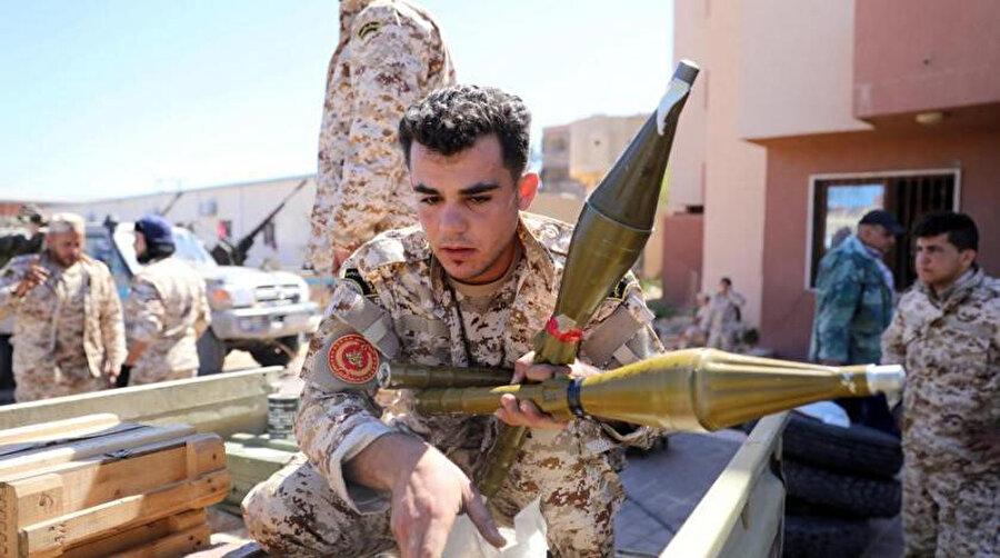 Trablus güçlerinin koruması altındaki Misrata güçleri.