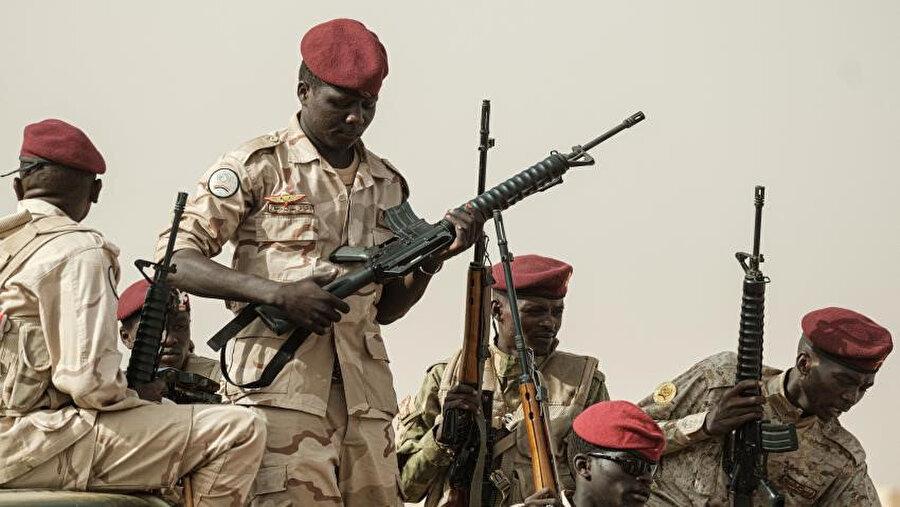 Hafter saflarında savaştırılan Sudanlı paralı askerler.