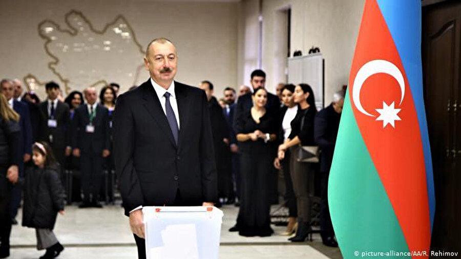 Cumhurbaşkanı İlham Aliyev, 5 Aralık 2019'da parlamentoyu feshederek erken seçim kararı almıştı.