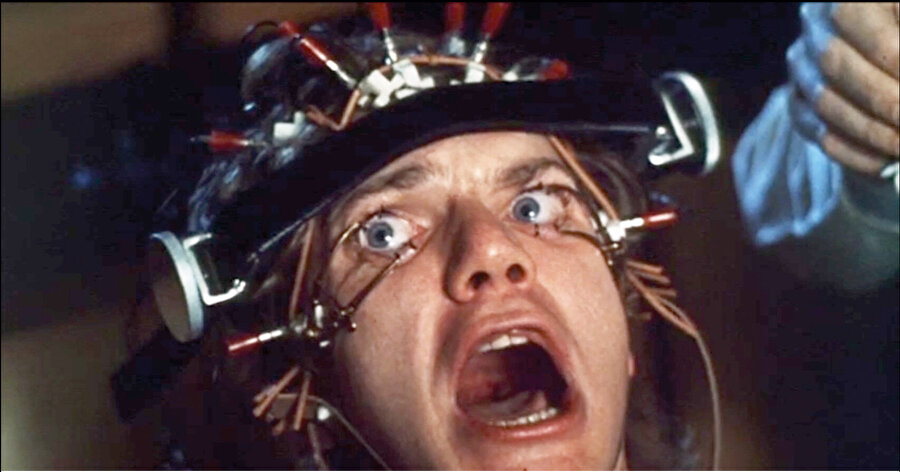 Otomatik Portakal filminde, Alex karakterini oynayan Malcolm McDowell...