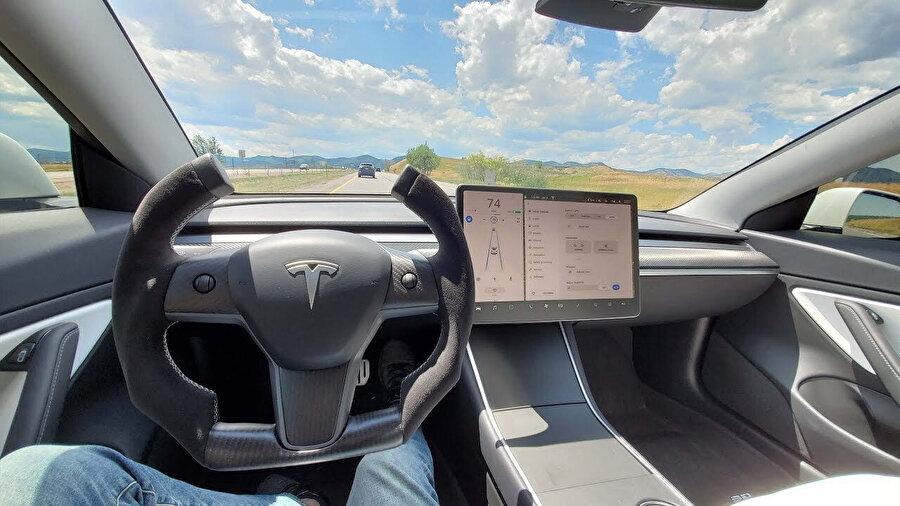 Tesla Model X'de hidrolik direksiyon sorunu tespit edildi