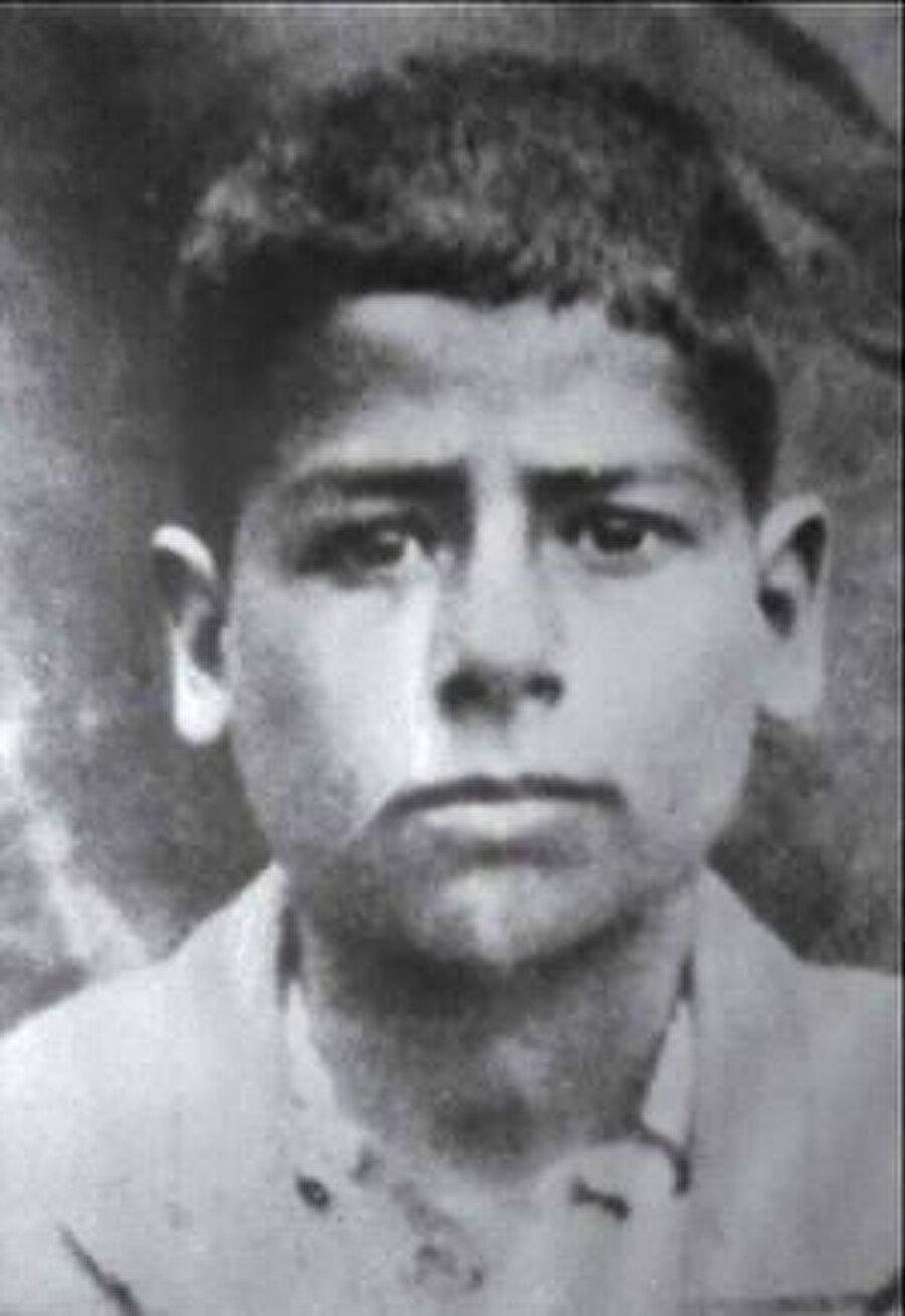 Saddam Hüseyin'in çocukluk fotoğrafı.