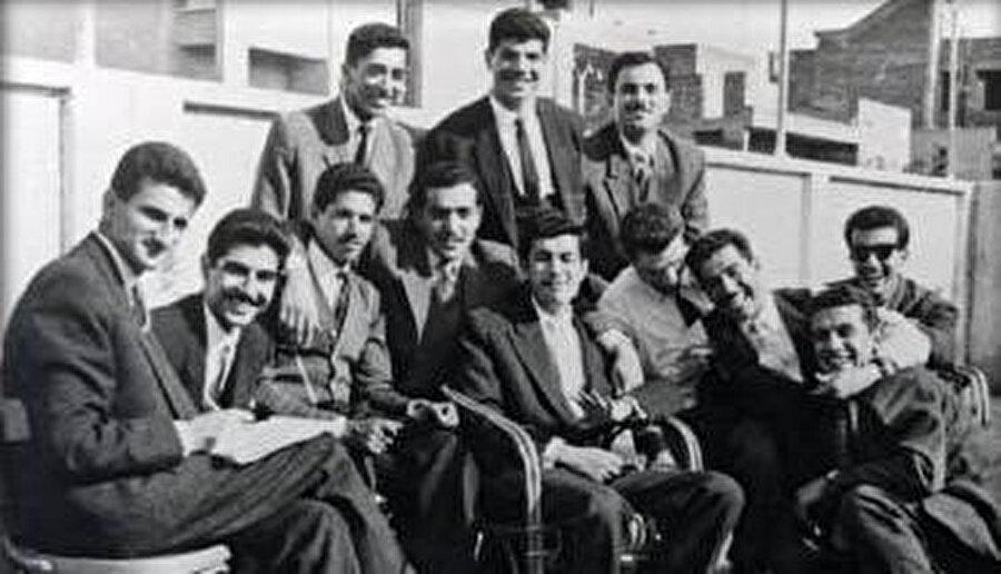 Saddam Hüseyin ve Baas Partisi öğrenci topluluğu. Kahire, 1959–1963 yılları arası.