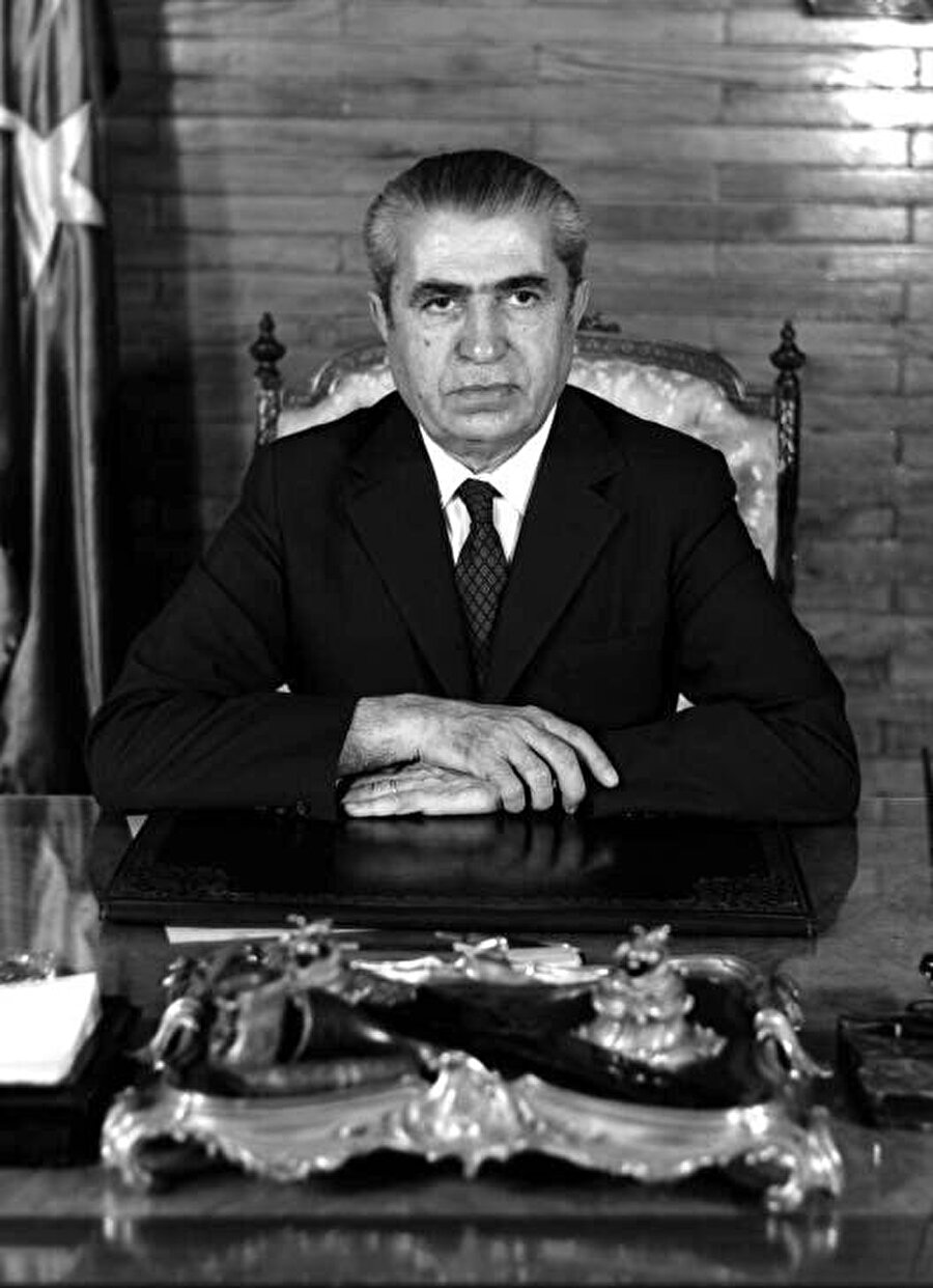 Ferit Melen, 17 Nisan 1972 - 15 Nisan 1973 arasında Başbakanlık yapmıştır... Melen ayrıca 9 ve 10. Dönem İsmet İnönü kabinesinde Maliye Bakanı olmuştur.