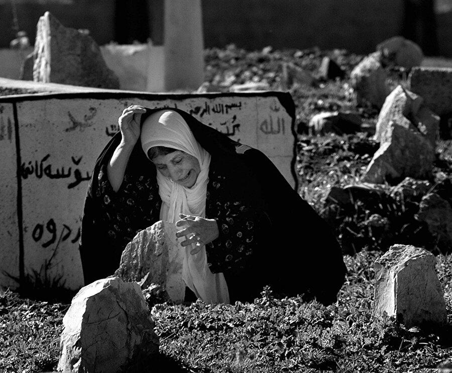 Saddam güçlerinin, Halepçe kentine düzenlediği kimyasal saldırıda 5000 kişi yaşamını yitirdi.