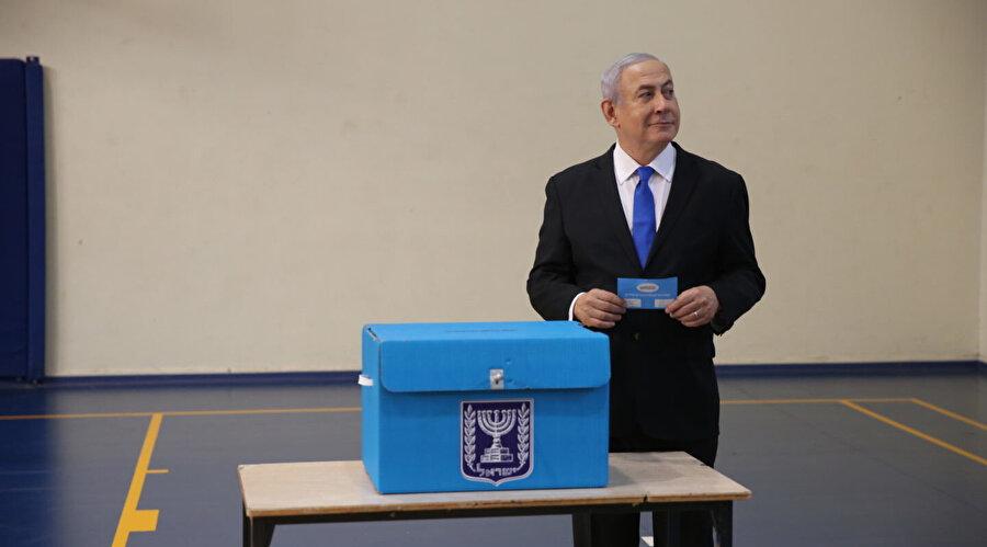 Netanyahu, yaklaşan seçimler öncesi çıkarlarına hizmet edeceği için Arap ülkeleriyle ilişkileri düzeltmeye hız verdi.