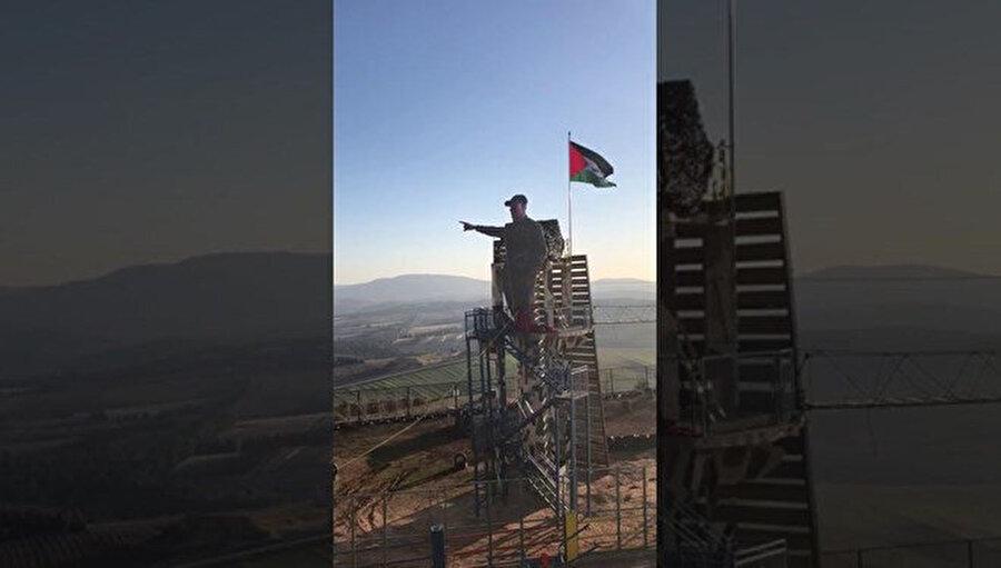 Filistin bayrağı da asıldı