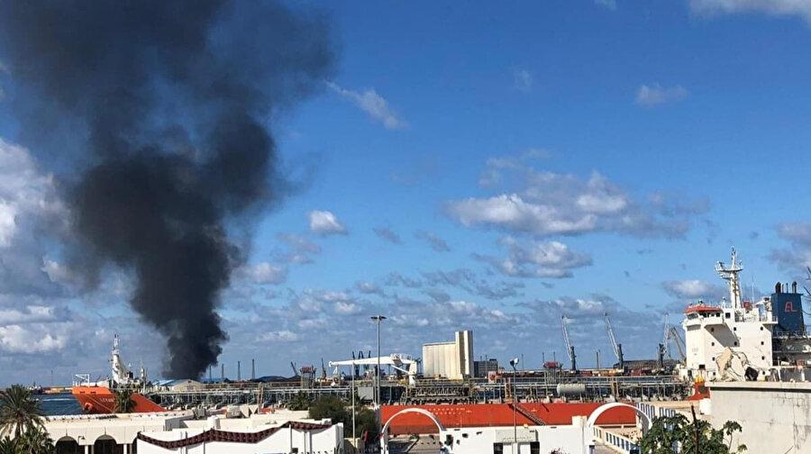 Hafter'in Trablus Limanı'na yaptığı saldırısının gözüktüğü anlar
