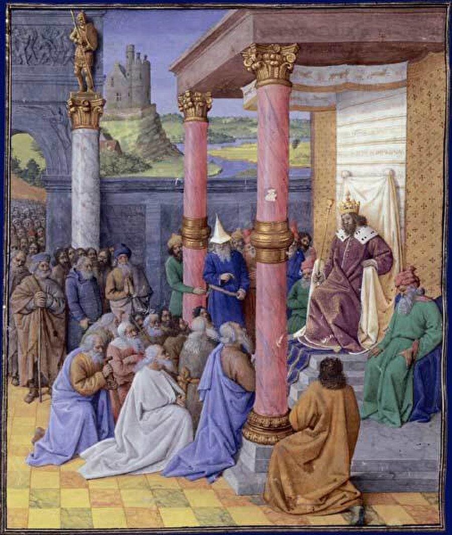 İncil'de Kiros'un Yahudileri Kudüs'e yerleşmeleri ve Kudüs'ü yeniden inşa etmeleri için Babil esaretinden kurtardığı yer alır.